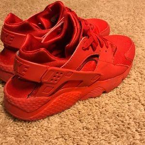 Nike Red Huarache Size 7